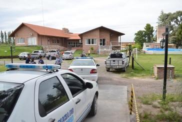 DELINCUENTES Vestidos de POLICIAS asaltan a Hotel en Villa REGINA
