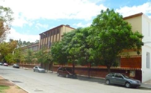 Cuatro ESTUDIANTES del DOMINGO SAVIO irrumpieron en su colegio por la MADRUGADA