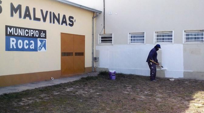 REFACCIONES EN EL COMUNITARIO DE MALVINAS