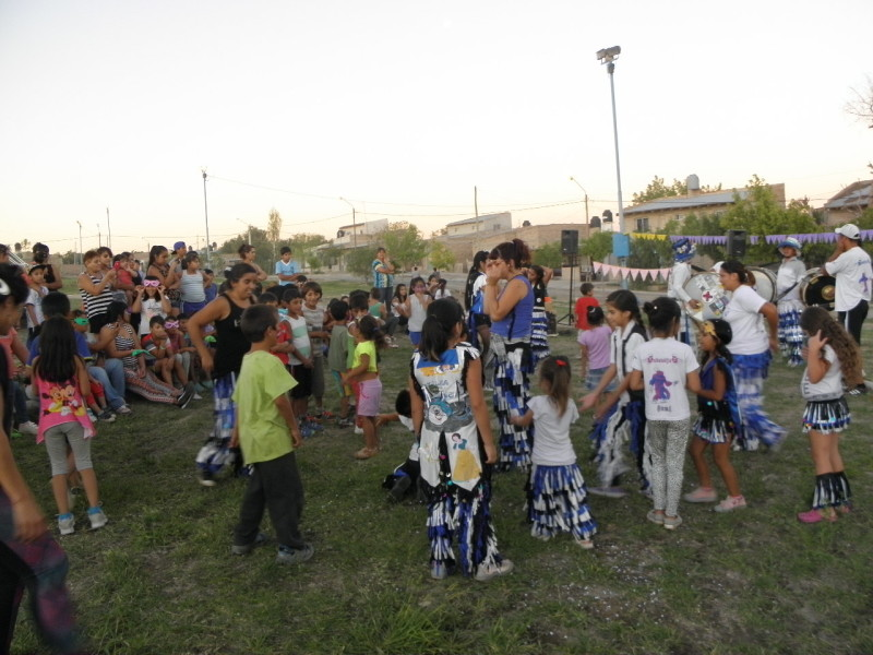 FESTEJO de CARNAVAL en BARRIO NUEVO