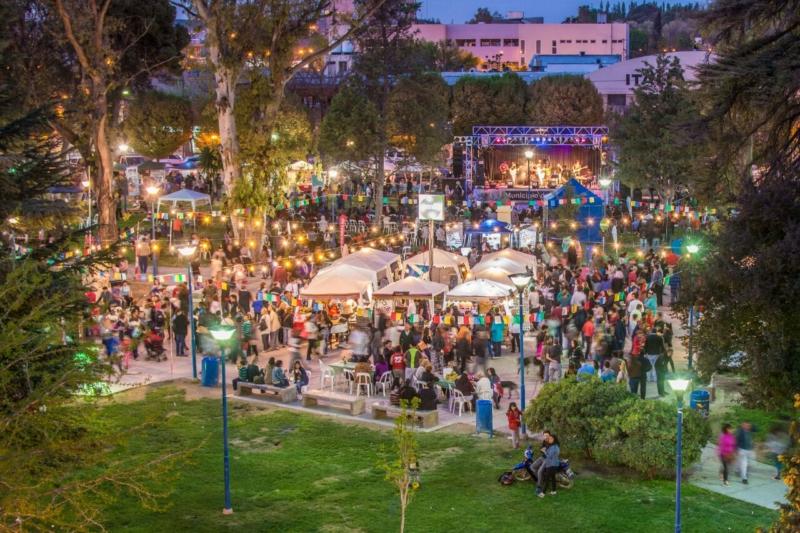 Con gran éxito paso la primer jornada de Feria Semilla de Primavera.