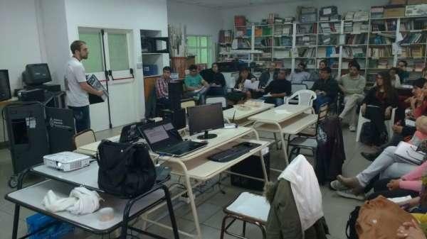 RIO NEGRO – EDUCACIÓN CAPACITÓ a DOCENTES en el USO de las AULAS DIGITALES